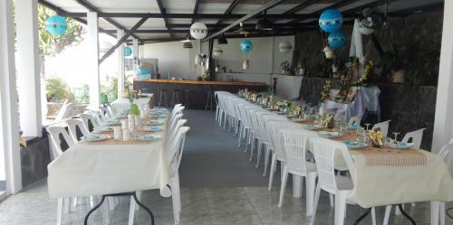 Salle de réception avec terrasse couverte